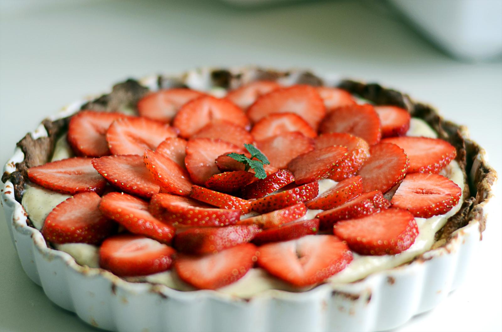 Alletiders Kogebog Jordbærtærte jorbærtærte med mazarinbund og vaniljecreme | frk. saust